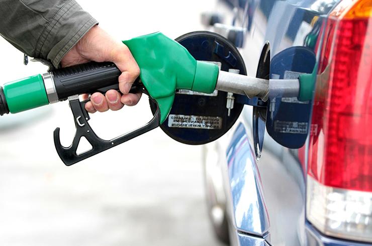 Resultado de imagem para Preço da gasolina e do álcool alcança alta recorde
